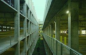 美国阿肯色大学费耶特维尔分校的加兰中心停车场