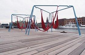 丹麦哥本哈根离开地面公共桌椅