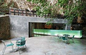 西班牙克里斯托港洞穴酒吧