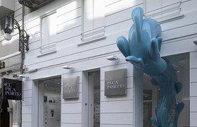 瓦伦西亚卫浴产品的店面橱窗设计