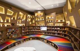 巴西Aiva萨拉瓦书店设计