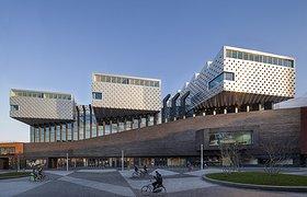 半球闪耀--Eemhuis综合性文化建筑
