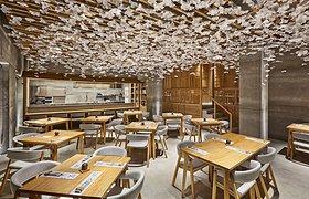 """日本""""樱花树""""下的望寿司餐厅店"""