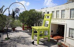 绿色大椅子——墨西哥蒙特雷DECODE设计节临时装置