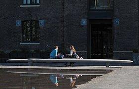 伦敦的巨凳